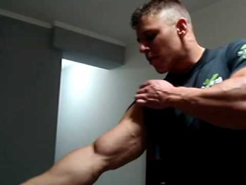 DAVID ALTAMIRANO: BICEPS FOREARMS VEINS MUSCLE-WORSHIP