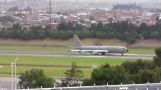"Despegue Boeing 707 (KC-137) - FAC1201 ""Zeus"""