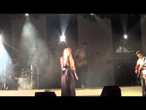 """BANDA CAPA NEGRA TOUR 2014 EM ESPADANEDO """"A CHUVA"""""""