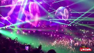 Shakira - Je l'aime à mourir (en concert à Paris)