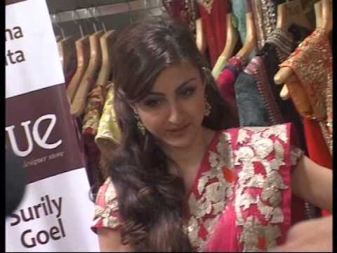 Soha Ali khan at launch of HUE fashion's new collection2.
