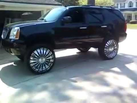 "GMC Yukon ON 30"" DUB ZVEETS spinners/floaters"