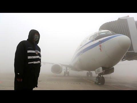 Smog Shuts Down Chinese Megacity