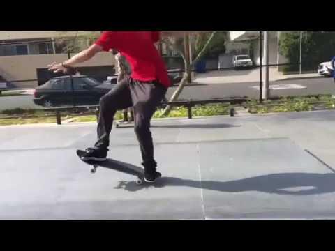 💥💥💥 @showmeyourtitties 📹: @kevinscotthairston   Shralpin Skateboarding