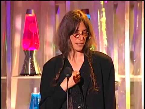 Patti Smith Inducts the Velvet Underground into the Rock and Roll Hall of Fame