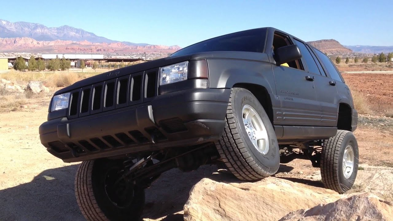 Trying The New 3.5 inch Rough Country Lift Out On My Jeep ...