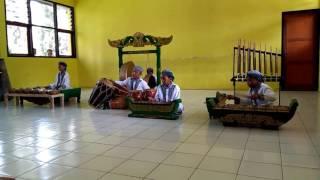 Download Lagu Juara 2 FLS2N musik tradisional SMPN 2 Garawangi Gratis STAFABAND