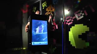 iPhone 4 Costume guy - iPhone Kostümlü Adam Fun Videosu