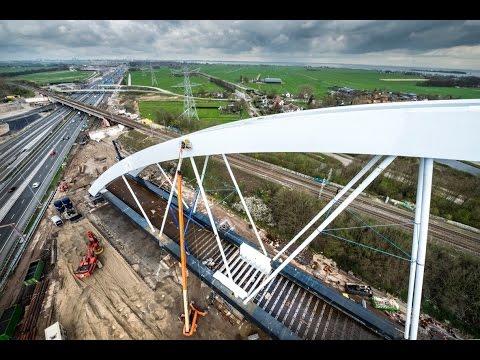 Plaatsing spoorbrug Muiderberg