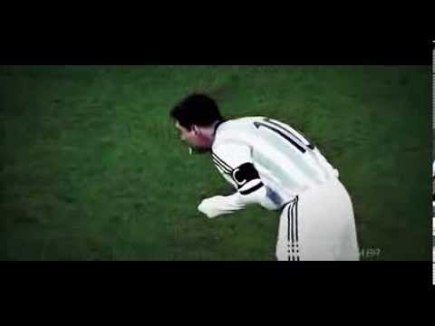 Lionel Messi vomits on the pitch during Romania vs Argentina 2014