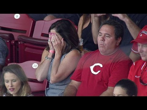 ARI@CIN: LaMarre's parents watch his first MLB at-bat