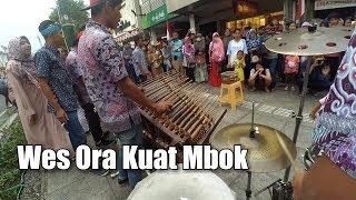 download lagu Ora Kuat Mbok - Versi Carehal Angklung Malioboro Jogja gratis