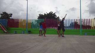 [BLOOPER] Ensayando bajo la lluvia + Pobresita chancla de Paola xD