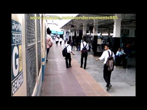 Live Train Accident : School Boy Falling from running train,Hyderabad,India.