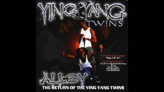 Watch Ying Yang Twins Drop Like This 2001 video