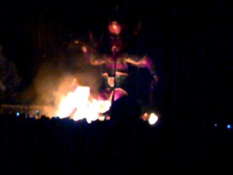 acara pembakaran patung thai se ja