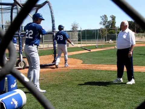 Tommy Lasorda teaches Kyle Russell how to hit