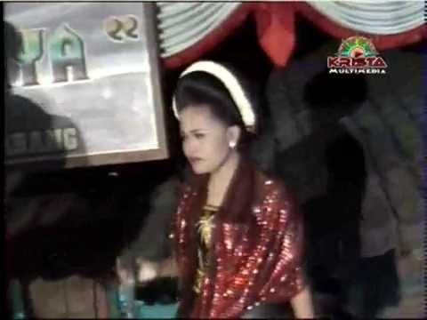 Karawitan campursari Bahtera Wijaya, Tari Remo Gaya Busana Wanita video