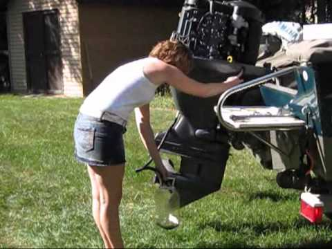 Yamaha 4-stroke oil change.wmv