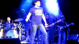 Lee Kernaghan Live Goondiwindi Moon  Perth City Muster 2010