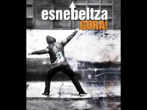 Esne Beltza ft. Mala Rodríguez & Fermin Muguruza - Quien manda (Hemen eta hor)