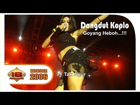 download lagu ASTAGA ..!!  BIDUAN DANGDUT KOK GINI .. HEBOH BANGETT ..  LIVE KONSER SUMATERA UTARA 2006 gratis