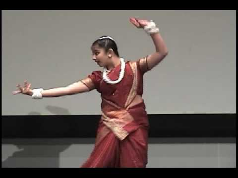 Bengali Folk Dance - Moina Chalat Chalat - Manasa video