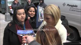 Jennifer Morrison - Signing Autographs in New York City