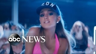 Ariana Grande, John Legend Perform