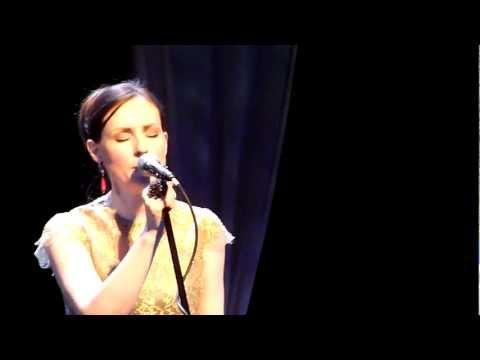 Julie Fowlis - Hug Air A'Bhonaid Mhoir - LIVE