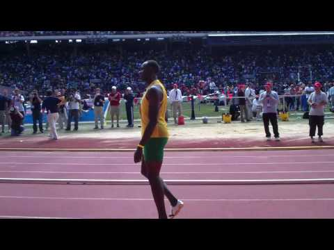Usain Bolt runs relay for Jamaica at 116th Penn Relays (4/24/10) Video