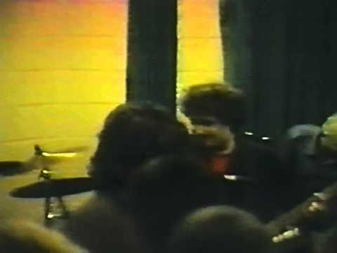 Dain Bramage's first gig with audio resynced! I finally located an unchopped MPEG file of this video floating on the internet... audio was still out of sync ...