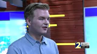 Download Lagu Georgia-native, Top 3 'American Idol' contestant Caleb Lee Hutchinson in the WSB-TV studios Gratis STAFABAND