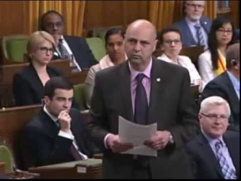 Matthew Kellway – Question Period – Canada Post's Controversial Mailbox Plan (2015 04 30)