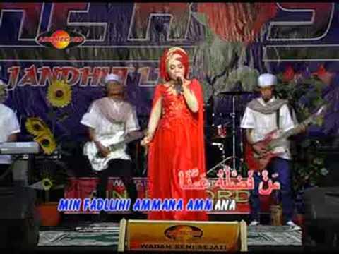 Download Deviana Safara - Ya Ashiqol Mustofa   s Mp4 baru