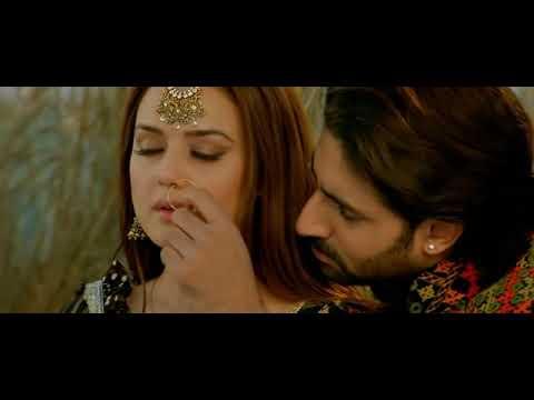 Bol Na Halke (Original DVD Full Song) http://rapidshare.com/files/185255723/bol_na_halke.avi