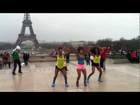 Performance Art At Palais De Chaillot (oceana - Endless Summer) video