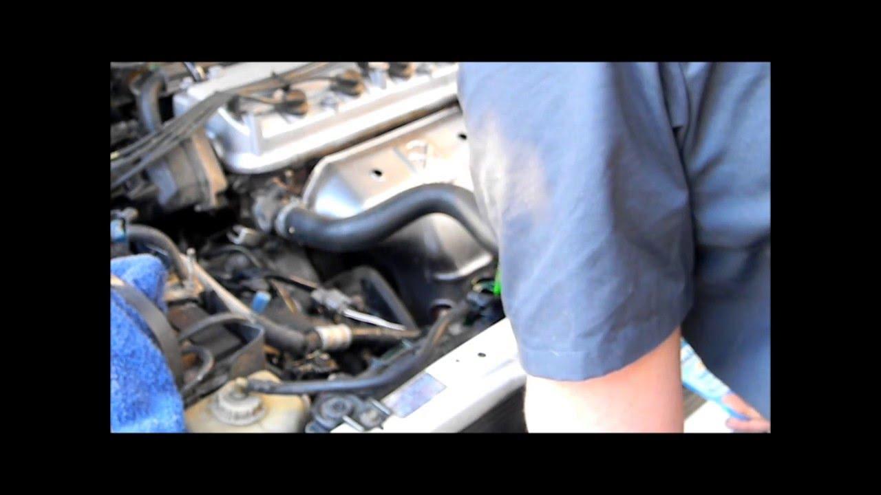 Removing Thermostat On 99 Honda Accord Youtube