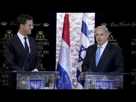 "Prime Minister Benjamim Netanyahu meets Dutch Prime Minister Mark Rutte. ר�ש ���ש�� �נ���� נתנ��� נפ�ש ע� ר�ש ��ש�ת ���נ� ��רק ר���. �����: �ע""�."