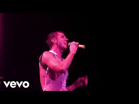 Scissor Sisters - Might Tell You Tonight (Live At The O2, London, UK / 2007)