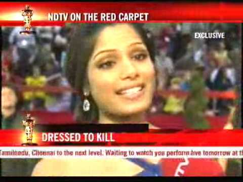 Freida Pinto at the Oscar red carpet Video