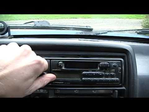 Replacing the Broken VW Radio Antenna  2010