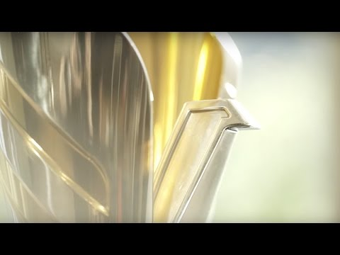 Designing the Winner's Trophy | F1® 2014 | Singapore Airlines
