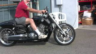 Bassani Xhaust 2 into 1 B1 System on V-Rod Muscle