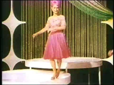 Thumbnail of video Debbie Reynolds - If I Had A Hammer