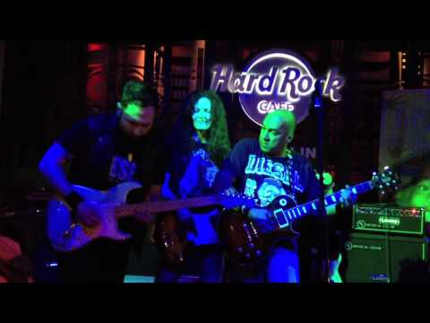 Rock Factory jams with Monte Pittman (guitarist for Madonna)