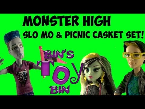 Monster High Slo Mo & Picnic Casket Jackson Jekyll Frankie Stein! Review by Bin's Toy Bin