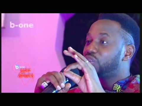 Brenj Okunda recoit PEGGY TABU dans Star Afrika