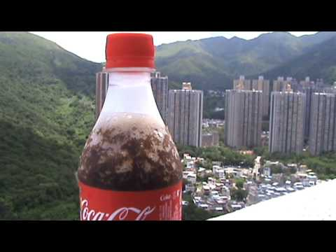 How to Chill A Coke In just a second! - The Super Effect