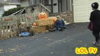 Scaring kids on HALLOWEEN PRANKS funny, prank, kids, trick or treat, costume